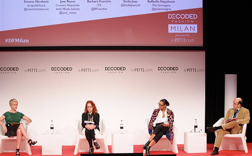 Decoded fashion : le luxe devient business sur le web
