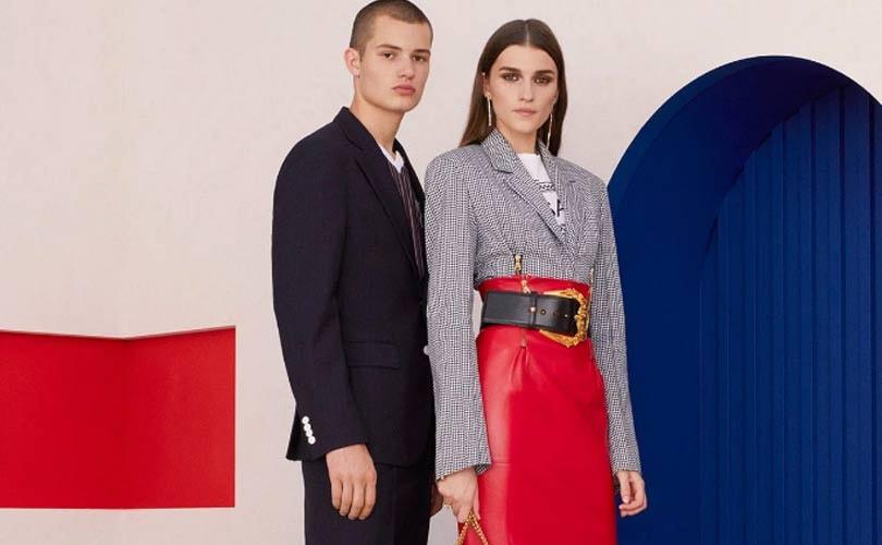 Le groupe Michael Kors achève l acquisition de Versace et change de nom ec824d38846