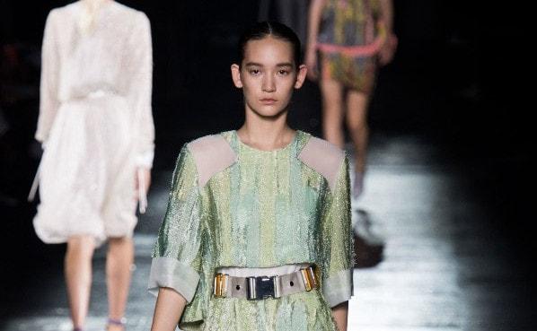Tassen Mode Voorjaar 2015 : Belangrijke modekleuren trends voor voorjaar zomer