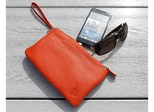 Mighty Purse laadt smartphones op